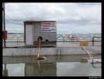 Bombas lançam água represada nas ruas para o rio Tapajós